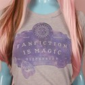 Camiseta Fanfiction Is Magic